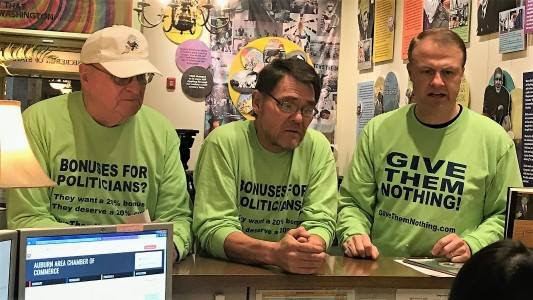 """Fantastic article about our """"voter veto"""" of 20% salary bonuses for Inslee / Ferguson / Supreme Court — do you think they deserve extra pay?"""